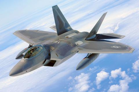 1280px-F-22_Raptor_-_100702-F-4815G-217.jpg
