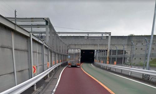 成田地下道.jpg