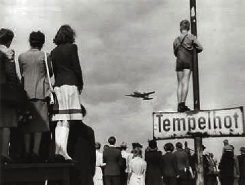 Germans-airlift-1948.jpg