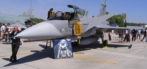 1024px-Saab_JAS-39_Gripen copy.jpg