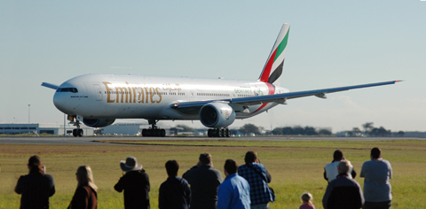 A6-EMV_Boeing_777-31H_Emirates_'Germany_World_Cup_2006'_livery_(7155983321).jpg